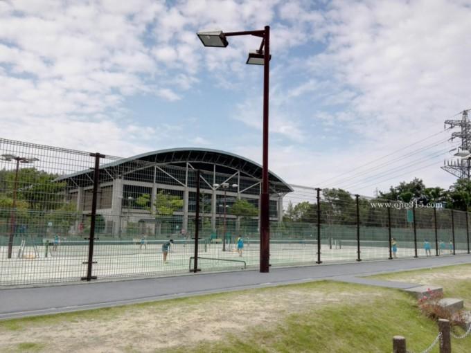 三重県鈴鹿市 三重交通スポーツの杜鈴鹿テニスコート  プラスワンソフトテニス
