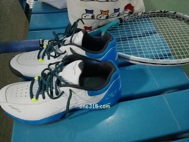 【テニスシューズ】ヨネックス パワークッション206D ソフトテニス
